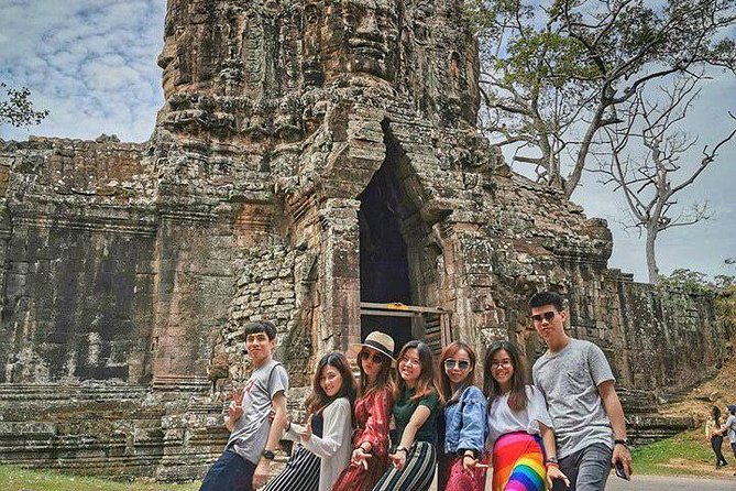 1-Day Angkor Wat Shared Tour With Sunset With Sunset Small Group