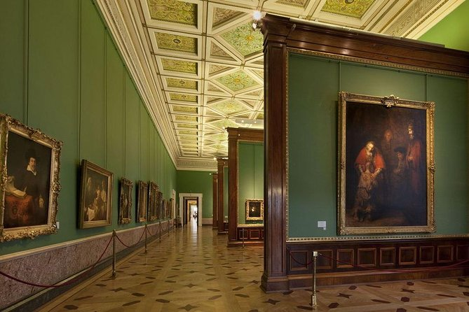 Hermitage Museum Private Tour (with roundtrip transfer)
