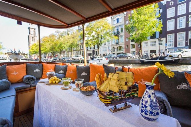 Cruzeiro de barco no salão de beleza de 75 minutos - Incl. bebidas e queijo holandês - partida @Homomonument