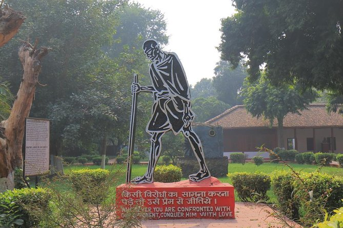 Footsteps of Mahatma Gandhi - A Guided Half-day Tour