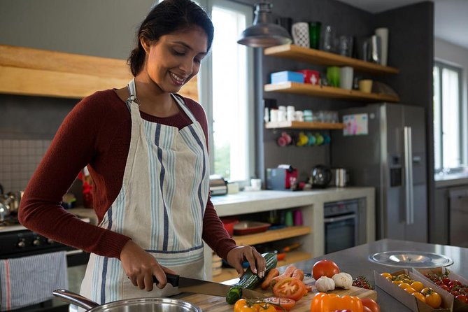 Home cooking class and market tour Delhi - A Guided Experience