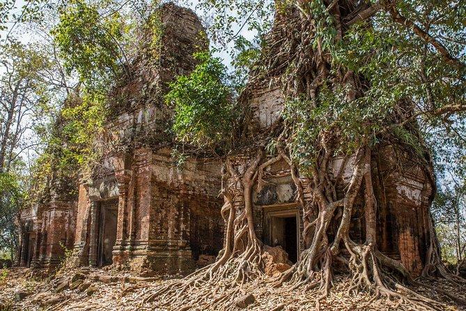 Exploring Koh Ker, the most beautiful pyramid temple in Cambodia