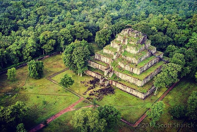 Exploring Koh Ker, the most beautiful pyramid temple in Cambodia