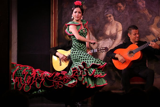 Skip the Line: Flamenco Show at Corral de la Morería in Madrid Ticket