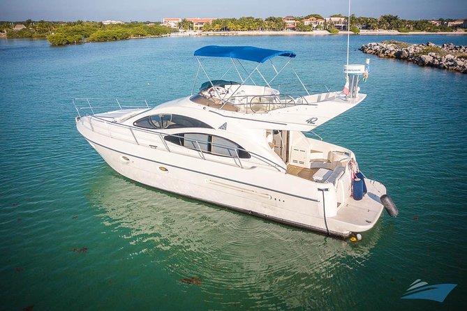 VIP 8-Hour Private 42' Azimut Yacht Tour to Palancar Beach, Premium Bar & Chef