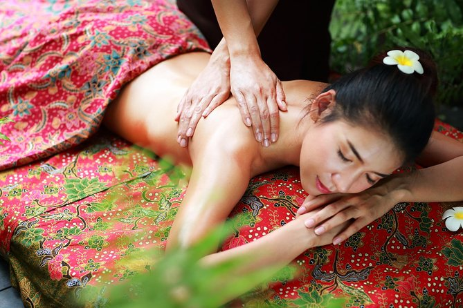 2 Hour Relaxation Luxury Spa Package at Fah Lanna Spa Nimman branch