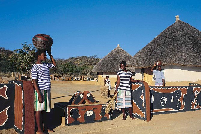Khami Ruins & Matopos Silunguzi Village Full Day Tour/ Bushman Paintings!