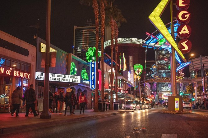Las Vegas Small Group Food of The Strip & Fremont St. Tour met een local