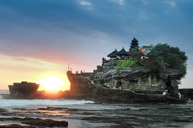 Bali Half-Day TANAH LOT SUNSET, Taman Ayun Mengwi, Monkey Forest, Dinner