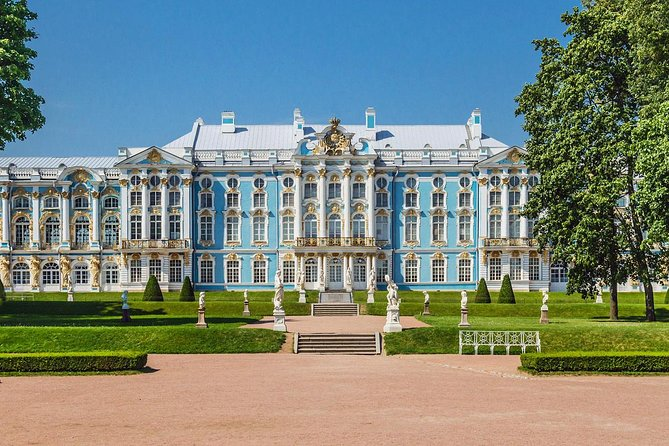 Amber Grand Hall and Catherine the Great Palace in Tsar's Village Private Tour