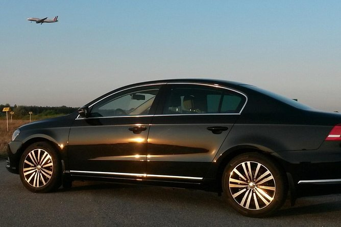4-hour private Budapest tour by car/ minivan