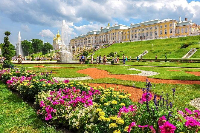 Two Imperial residences Private Tour: Peterhof + Catherine's Palace