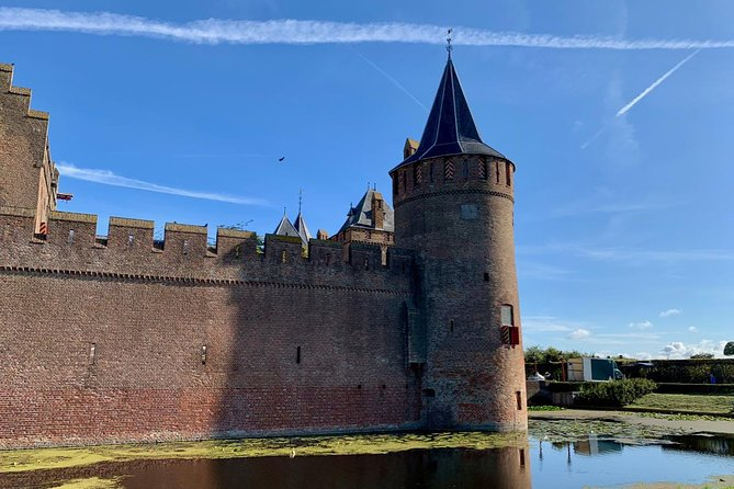 Small Public Tour from Amsterdam to Keukenhof and Amsterdam Castle