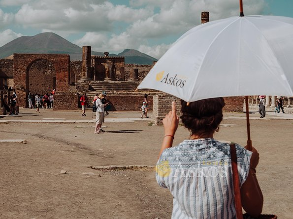 Pompeii Small Group tour with an Archaeologist