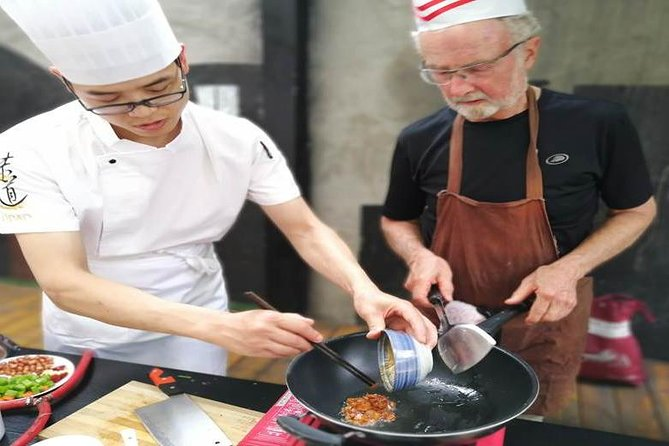 Cooking and Food tour in Panda's hometown