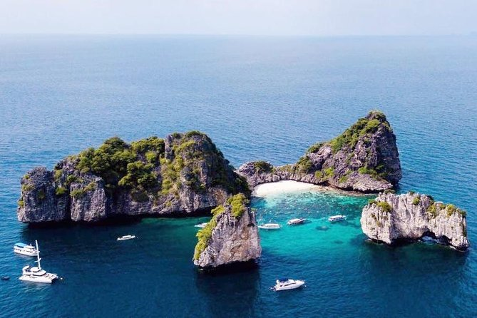 A full Day Ha & Rok islands from Koh Lanta( By Speed Boat)