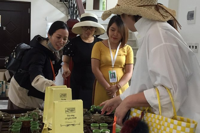 Coffee and tea making tour under the guidance of local people in Hoi An