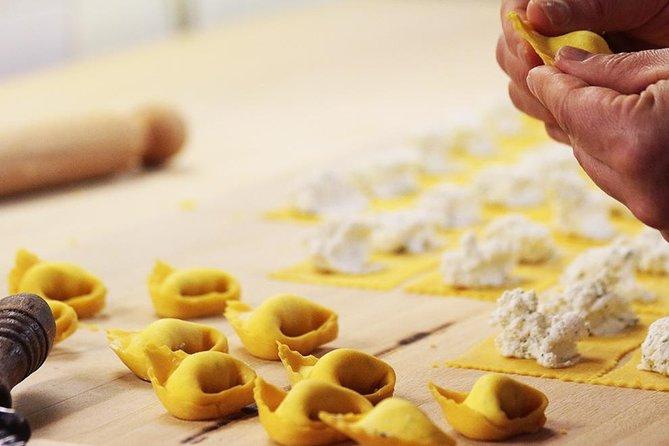 Make Bolognese pasta at Casa della sfoglina with lunch