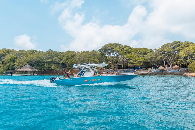 Private 36ft Luxury Speedboat To Rosario Islands