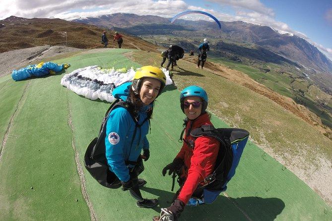 Coronet Peak Tandem Paragliding Main Take Off INSTRUCTIONAL