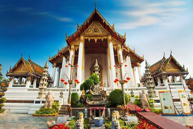 Bangkok Old Town City Tour with Wat Suthat, Wat Saket & Wat Ratchanadda