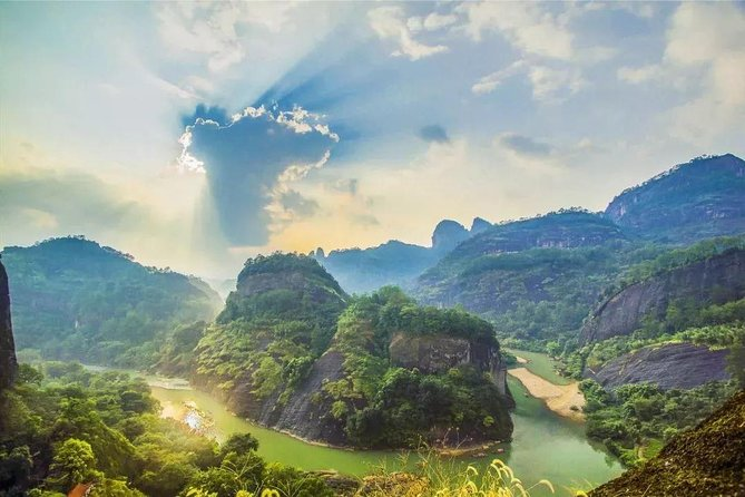 2-Day Private Tour to the World's natural and cultural heritage Mount Wuyi