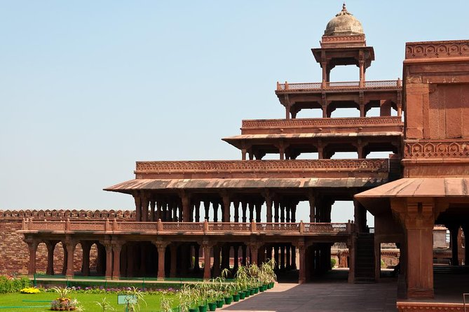 Agra to Fatehpur Sikri Half-Day Tour - A Guided Experience