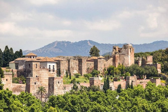 Alcazaba and Nasrid Palace in Malaga For Small Private Groups