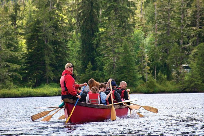 Recorrido en canoa por la selva tropical de Ketchikan y paseo o pie por la naturaleza