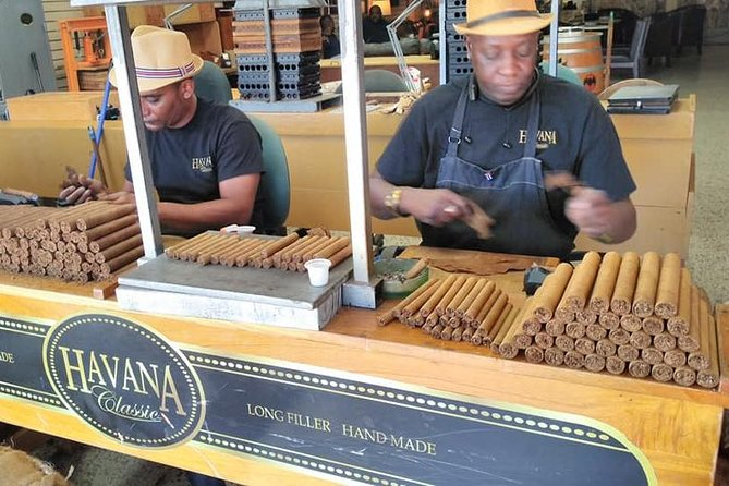 ¨Little Havana Nights¨ Tour with Free Drinks and Cigars at 3 Different Hot Spots