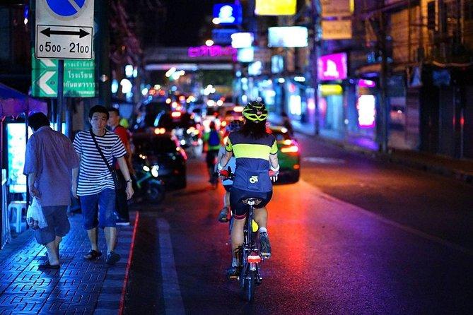 NR-04 WangLang adventurous cycling with a night life cultures of Bangkokian