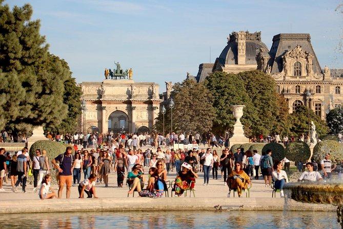Old Charming Paris Stroll - 4h Private Tour
