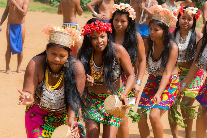 Masters of the River / The Embera People photo 3