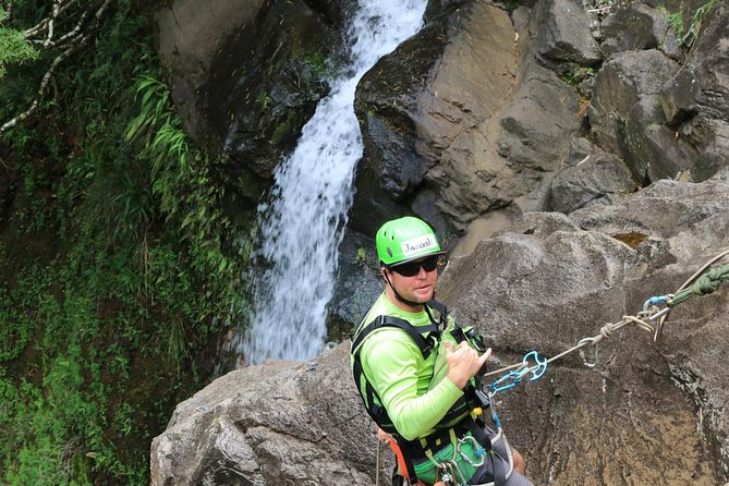 Rappel Maui Waterfalls and Rainforest Cliffs photo 6
