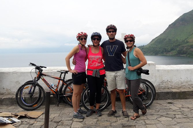 Biking tour through the towns of Santa Catarina and San Antonio