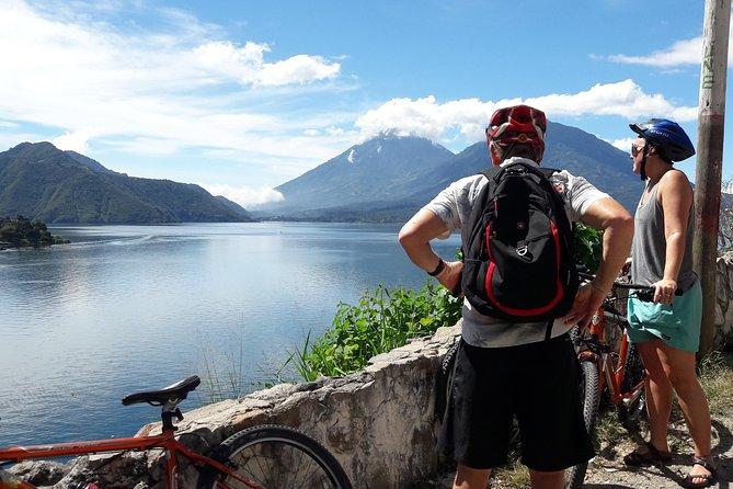 Biking tour through the towns of Santa Catarina and San Antonio