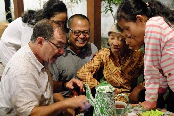 Yogyakarta Exclusive Dinner with Local Family photo 1
