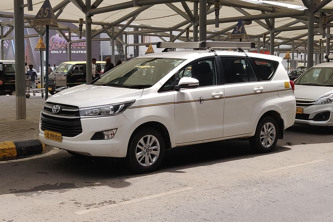 From Delhi: One way Private Transfer Service to Agra