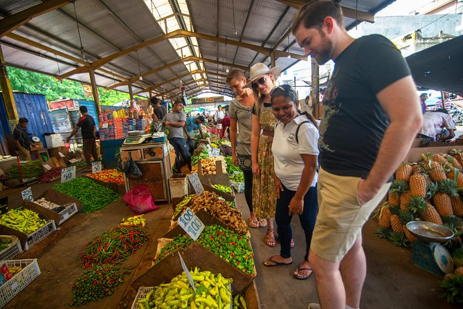 Market Tour and Sri Lankan Cooking Class Colombo