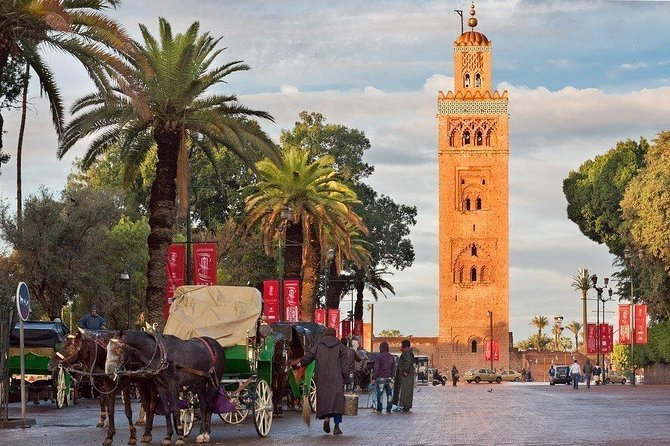 Royal Horse-drawn carriage ride Marrakech photo 1
