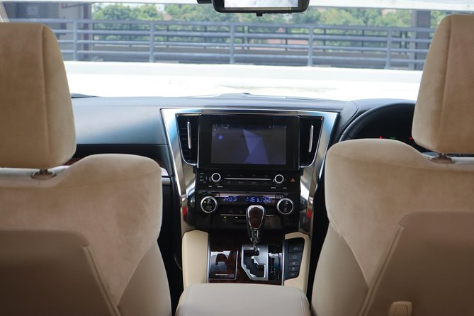 Bangkok Airport Limousine: New Toyota Alphard (To Airport) photo 12