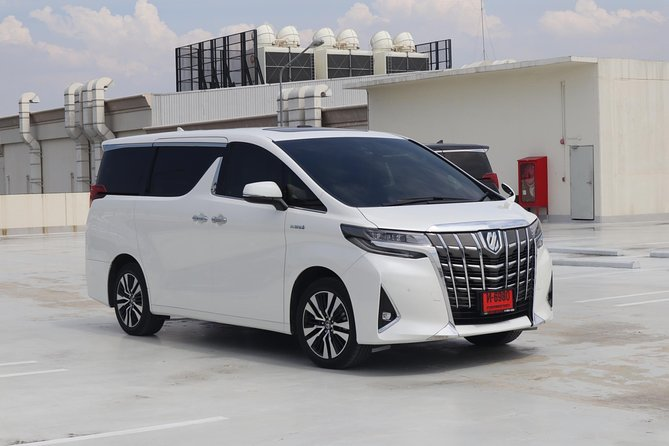 Bangkok Airport Limousine: New Toyota Alphard (To Airport) photo 15