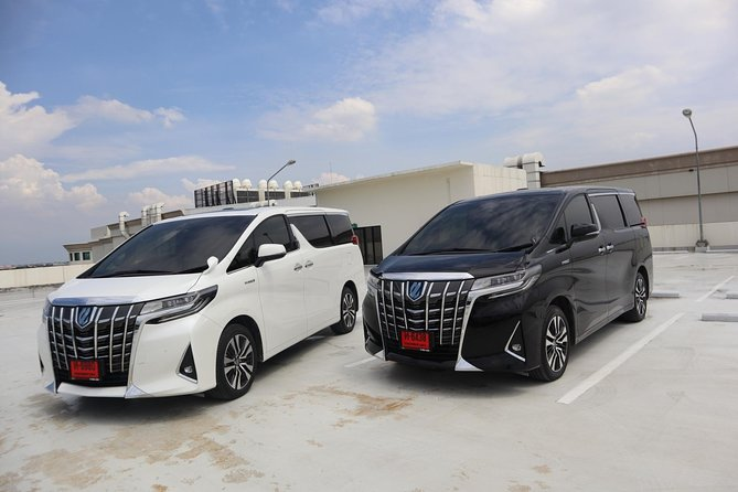 Bangkok Airport Limousine: New Toyota Alphard (To Airport) photo 4