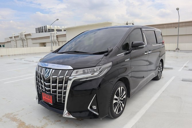 Bangkok Airport Limousine: New Toyota Alphard (To Airport) photo 18