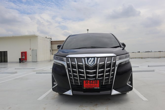 Bangkok Airport Limousine: New Toyota Alphard (To Airport) photo 11