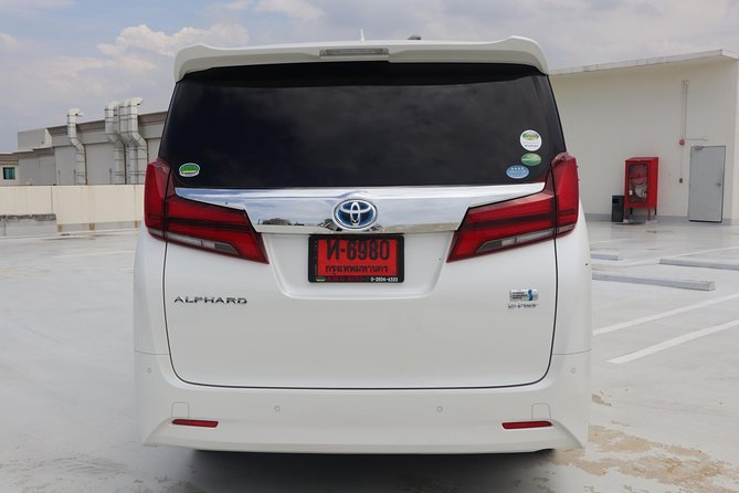 Bangkok Airport Limousine: New Toyota Alphard (To Airport) photo 7