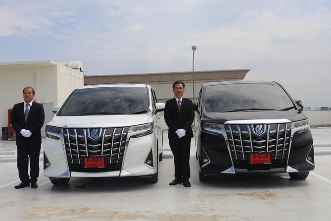 Bangkok Airport Limousine: New Toyota Alphard (To Airport) photo 6