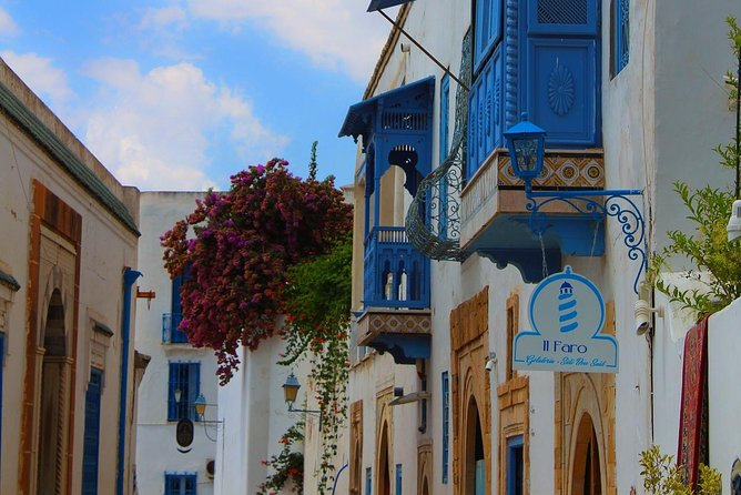 The best of Sidi Bou Said Walking Tour