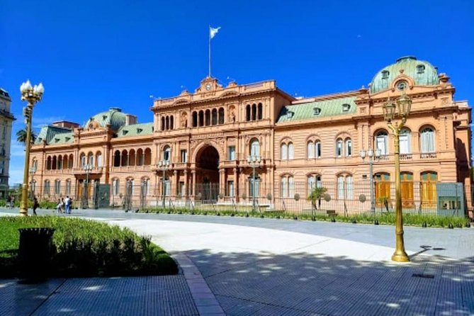 Private Tour with Audioguide through Buenos Aires by Car