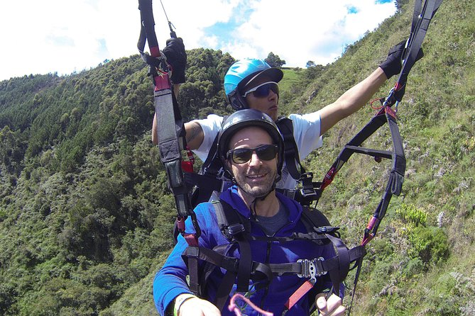 Guatapé + Paragliding Bundled Adventure Tour